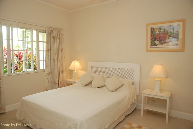 26_master_bedroom_with_king_bed_and_ensuite_facilities